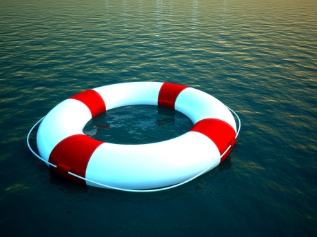 life-raft-life-saver-tube-in-water