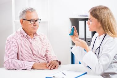 patient-doctor-inhaler-asthma